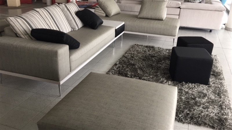 divani legno su misura moderni